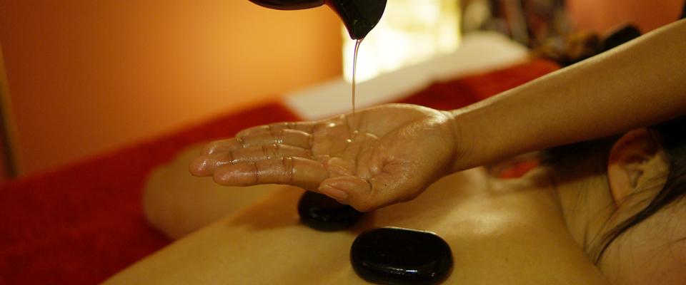 titelbild-hot-stone-massage